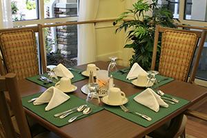 resort-dining table